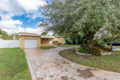Miami Springs Single Family Home For Sale: 651 Nightingale Ave