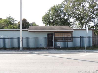 Miami Gardens Single Family Home For Sale: 2200 NW 152nd St
