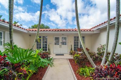 Miami Lakes Single Family Home Active With Contract: 16412 Stonehaven Rd