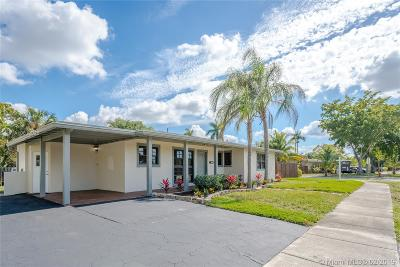 Fort Lauderdale Single Family Home Active With Contract: 3381 SW 18th St