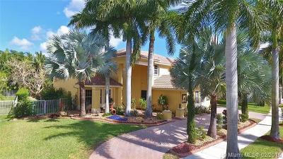 Weston Single Family Home For Sale: 1487 Victoria Isle Dr