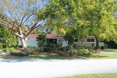 Palmetto Bay Single Family Home For Sale: 13701 SW 80th Ct