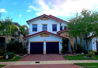 Doral Single Family Home For Sale: 10574 NW 70th Ln