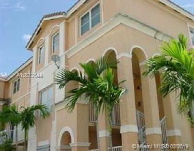 Miami Gardens Condo For Sale: 17640 NW 73 Av #202-19