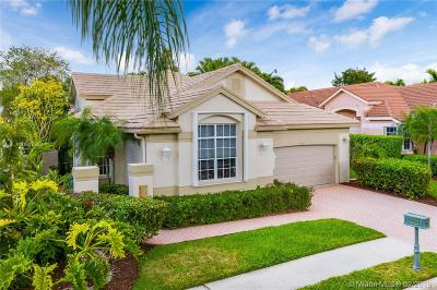 Pembroke Pines Single Family Home Active With Contract: 1431 E Lacosta Dr E