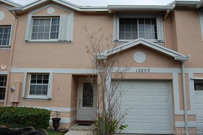 Cooper City Condo Active With Contract: 12255 SW 50th St