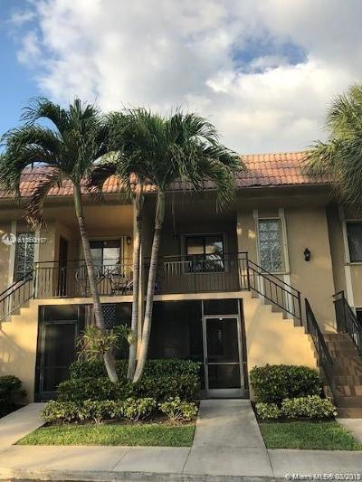 Weston Condo Active With Contract: 302 Lakeview Dr #103