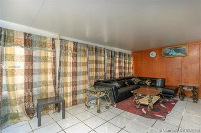 Hialeah Condo For Sale: 8325 NW 186th St #301