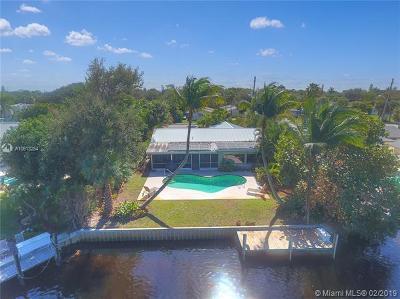 Jupiter Single Family Home For Sale: 355 Center St