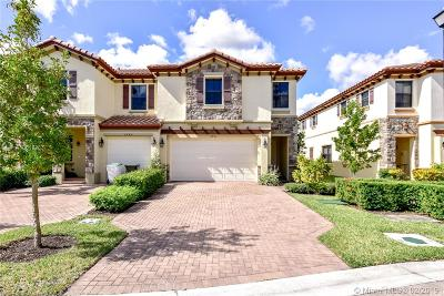 Coconut Creek Condo For Sale: 6951 Halton Park Ln #6951