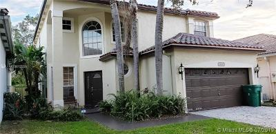 Cooper City Single Family Home For Sale: 10830 Limeberry Dr