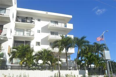 Miami Beach Condo For Sale: 1900 Meridian Ave #203