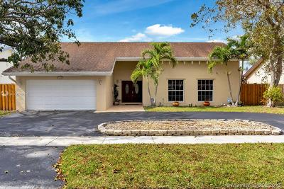 Pembroke Pines Single Family Home For Sale: 2320 NW 102nd Way