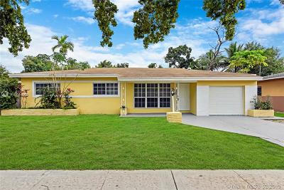 North Miami Beach Single Family Home Active With Contract: 1560 NE 159th St