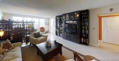 Hollywood Condo For Sale: 3725 S Ocean Dr #1127