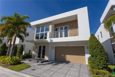 Doral Single Family Home For Sale: 9753 NW 75th Ter