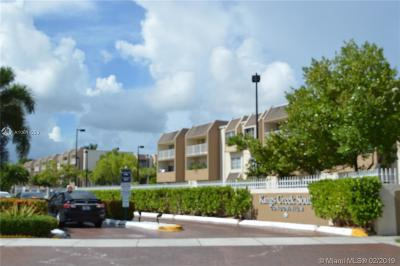 Condo Active With Contract: 7725 SW 86th St #A1-222