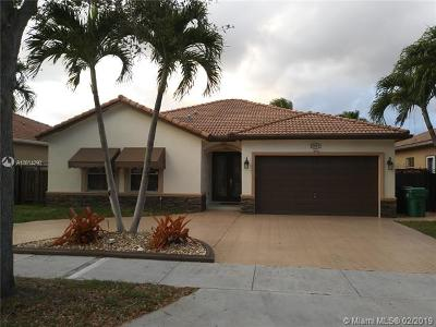 Miami Lakes Single Family Home For Sale: 8829 NW 169th Ter
