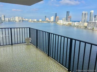 Sunny Isles Beach Condo For Sale: 301 174th St #1718