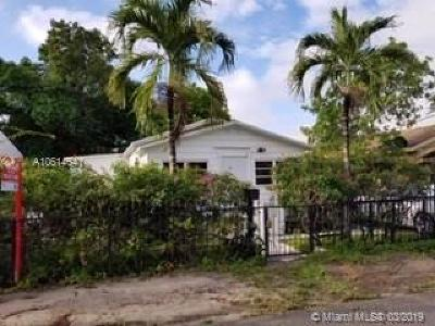 Miami Single Family Home For Sale: 3802 Oak