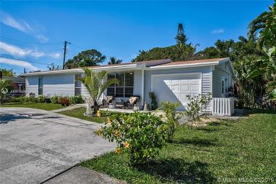 Jupiter Single Family Home For Sale: 308 N Loxahatchee Dr