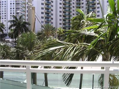 Hollywood Condo For Sale: 3000 S Ocean Dr #118