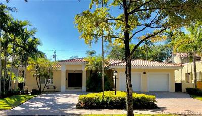 Coral Gables Single Family Home For Sale: 526 Madeira Ave