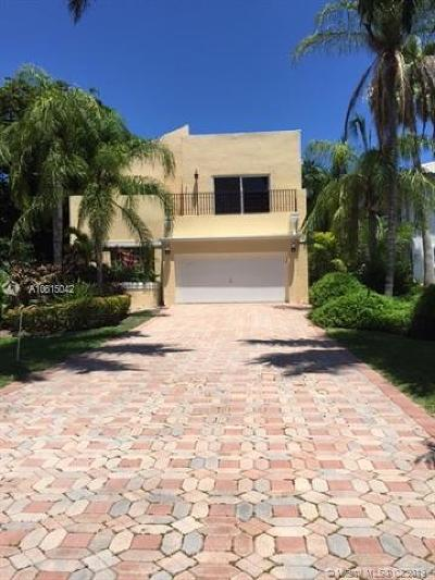 Golden Beach Single Family Home For Sale: 469 Golden Beach Dr