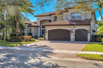 Davie Single Family Home Active With Contract: 10938 Garden Ridge Ct