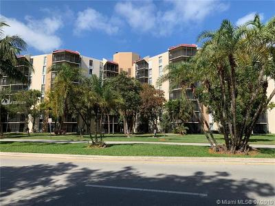Aventura Condo For Sale: 3301 N Country Club Dr #109
