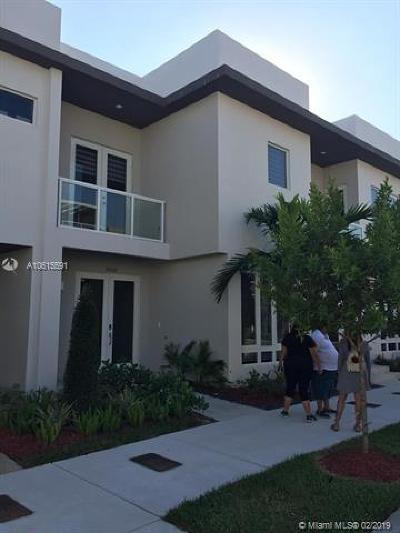Doral Condo For Sale: 10530 NW 63th Terrace