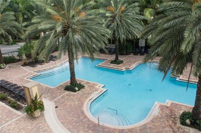 Sunny Isles Beach Condo For Sale: 17100 N Bay Rd #1514