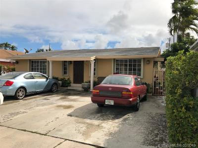Hialeah Single Family Home For Sale: 634 SE 6th Pl