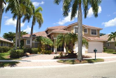 Weston Single Family Home Active With Contract: 2531 Montclaire Cir