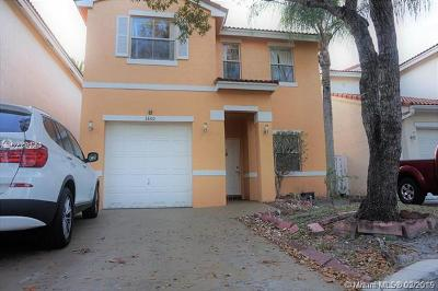 Cooper City Single Family Home Active With Contract