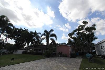 Davie Single Family Home For Sale: 4801 SW 55th Ter