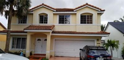 Hialeah Single Family Home For Sale: 8908 NW 187th St