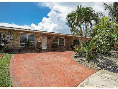 Miami Single Family Home For Sale: 2360 NE 192nd St