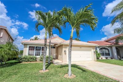 Pembroke Pines Single Family Home For Sale: 304 SW 183rd Way