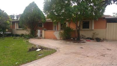 Hialeah Single Family Home For Auction: 17630 NW 82 Ave