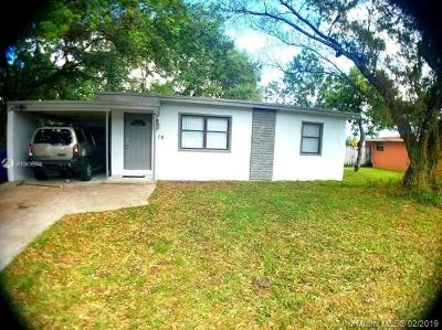 West Park Single Family Home For Sale: 15 Miami Gardens Rd