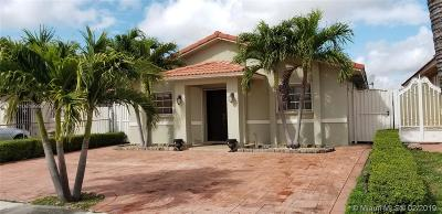 Hialeah Single Family Home For Sale: 2575 W 71st Pl