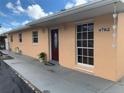 Miami Gardens Single Family Home For Sale: 4792 NW 195th Ter