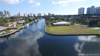 Hallandale Single Family Home For Sale: 655 Layne Blvd