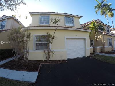 Pembroke Pines Single Family Home For Sale: 811 SW 178th Way