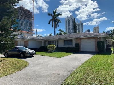 Sunny Isles Beach Single Family Home For Sale: 210 187th St