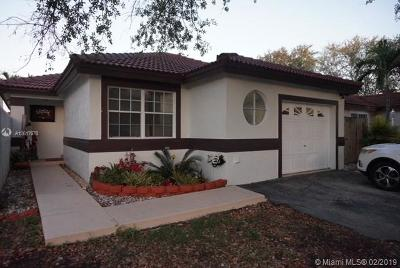 Hialeah Single Family Home For Sale: 19655 NW 85th Ave