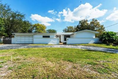 Plantation Single Family Home For Auction: 224 E Acre Dr