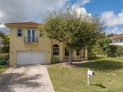 Miami Single Family Home For Sale: 7124 SW 69th Ct
