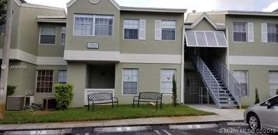 Hialeah Single Family Home For Sale: 17520 NW 67th Pl